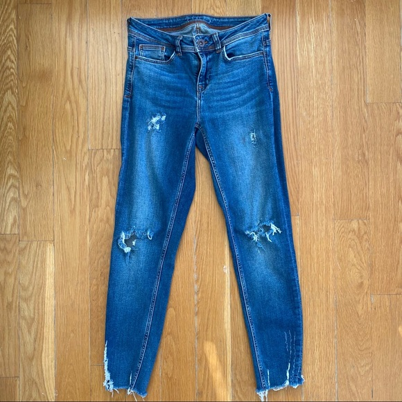 Zara Distressed Skinny Jeans Sz 2